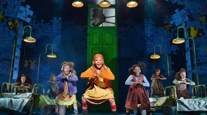 Friday evening in London's Theatreland – a review of Annie the musical!